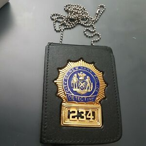 Obsolete full size NYPD DETECTIVE BADGE with Badgeholder/Chain POLICE New York