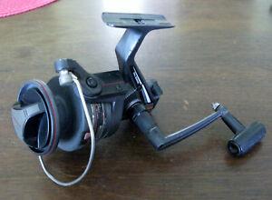 "Daiwa BW4000 ""Black Widow"" Ocean/Surf Spinning Reel, BB, R/L, 155yds/25lb-VGUC*"