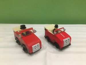 LOT OF 2 THOMAS & FRIENDS WINSTON TRAIN CARS 1 DIECAST & 1 WOODEN SHIPS FREE
