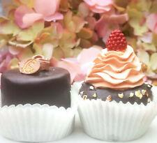 2 x Petit Fours Törtchen Macarons Beere Schoko Nuss Torte Cupcake Fake Kuchen