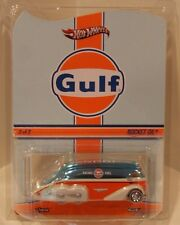 Hot Wheels 2015 Gulf Racing Fuel Rocket Oil #180/4500 REAL RIDERS Tanker