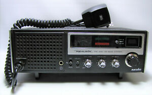 Realistic TRC-432 Navaho CB Base Station With Microphone Powers On Sold As Is