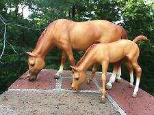 Traditional Breyer Buttons and Bows Mare and Foal Model Horse Set