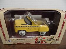 Pedal Power NYC Taxi 1:10 Scale Die Cast Metal 010416ame3