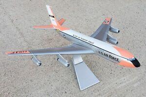 CORGI AA32911 BOEING VC-137A USAF STRATOLINER DIE-CAST DESK MODEL 1:144