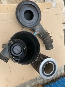 Isuzu Trooper 3.1 Air filer Housing Complete  Year 1997