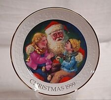 Old Vintage 1999 Avon Christmas Plate w 22K Gold Trim Santa's Tender Moment