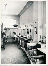 Commerce c. 1950 - Salon de Coiffure Coiffeur - DIV 11167