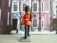 Vintage  Lone star/Harvey British guardsman fig 2 1:32 painted