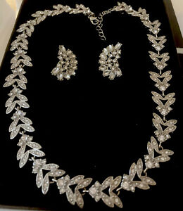 Vintage Necklace Gorgeous Silver Tone & White Rhinestones Earrings.