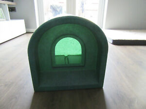 Outdoor Cat / Small Dog Kennel / Shelter - Green Plastic Waterproof - Excellent