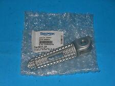 T2082020 REPOSAPIÉS DELANTERO IZQUIERDO ESTRIBO ORIGINAL TRIUMPH DAYTONA STREET