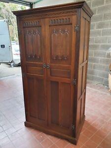OLD CHARM OAK PANELLED 2 DOOR WARDROBE / HALL-ROBE / ARMOIRES MODEL No 2227