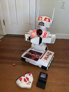 1999 Rad 2.0 Remote Control RC Robot With Battery Charger And Controller WORKS