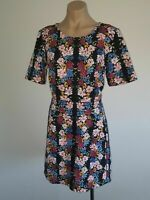EUC size 12 Sportsgirl floral 1/2 sleeve dress. Textured jacquard material.