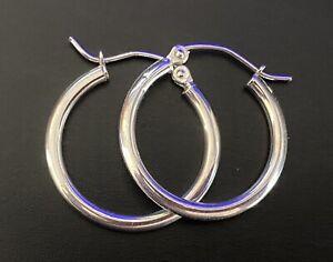14K White Gold Stamped, Signed, 1.0 grams Medium Hoop Earrings Set.