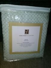 Knit Throw Blanket * Concierge Collection * Brand New * Green & White!