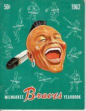 1962 Milwaukee Braves Yearbook Baseball magazine, Hank Aaron, Eddie Mathews~Good