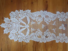 HERITAGE LACE WHITE CHRISTMAS HORN BELL TABLE RUNNER 14X54 NWOT #7020