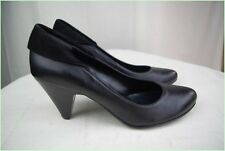 Court shoes BATA Leather and Black Suede T 39,5 New Condition
