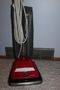 vintage Eureka / Sanitaire model c2094 upright vacuum cleaner great condition
