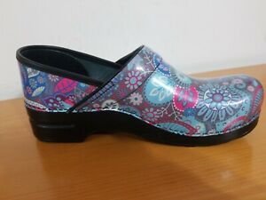 Dansko Professional Grey Paisley Patent Women's Clogs - NEW -  Size EU 42