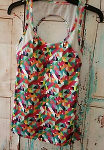 Fabletics Lightweight Athletic Top Open Back Straps Sz Extra Small EUC geometric