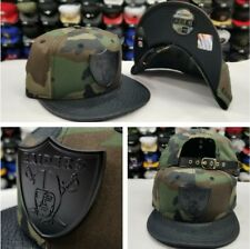 New Era NFL Oakland Raiders Metal Badge Snapback Camouflage Army Green Strapback