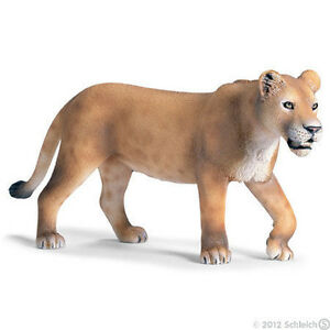 NEW  WITH TAGS* SCHLEICH 14363 Lioness Walking - African Wild Life - RETIRED
