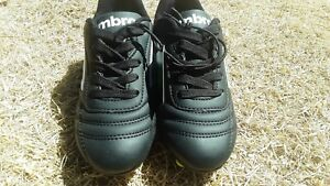Umbro Finale Soccer Cleats Shoes Kids Youth Size 11 Black Neon Green NWT NO Box