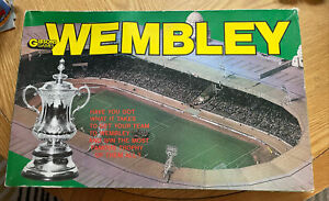 WEMBLEY FOOTBALL BOARD GAME GIBSONS VINTAGE 1980s RARE