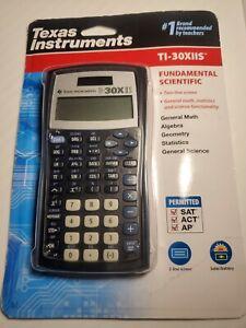 Texas Instruments TI-30XIIS Scientific Calculator Solar/Battery Power w/case NIP