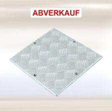 Schachtabdeckungen Aluminium Riffelblech bodenerhaben aussen 67,5 x 67,5 cm