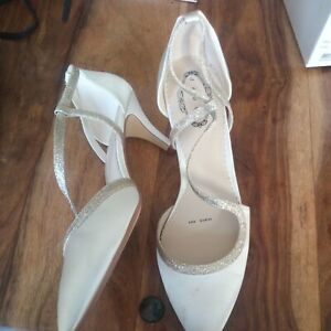 Debut Wedding Shoes Size 6/6.5