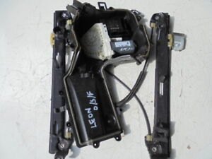 SEAT LEON 2007 O/S FRONT WINDOW REGULATOR/MECH ELECTRIC (FRONT DRIVER SIDE)