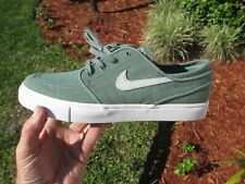 Nike ZOOM JANOSKI CVS  UV CLAY GREEN  AH6417 300  Brand New MEN  Size 9.5