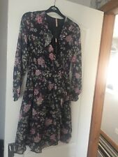 floral tea dress size 8 Holly Willoughby Style