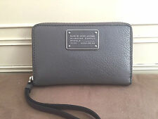 NWT Marc by Marc Jacobs Too Hot To Handle Leather Wingman Wristlet Wallet Grey