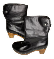 Women's Ugg Australia Lynnea 1958 Black Sheepskin Stud Wood Boots Shoes Sz 8 M