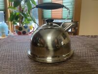 VINTAGE FARBERWARE  2.5 QT TEAPOT KETTLE STAINLESS STEEL WITH BLACK HANDLE