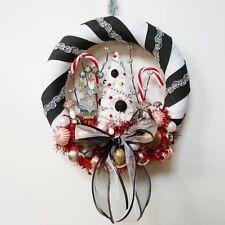 Black and White Folksy Santa Christmas Wreath Handmade 10 inch