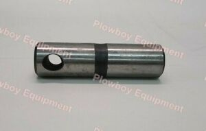 Stabilizer Control Arm Pivot Pin for IH 1066 1466 1086 1486 1206 3388 + 67693C1