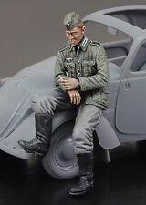 ROYAL MODEL 729 WWII German Citroen Soldier Driver Figur in 1:35
