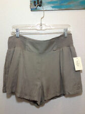 Guess wmens Size Large plume Gray soft business Shorts 4G