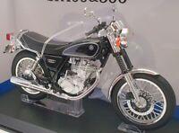 Aoshima 1/12 Scale Model Motorcycle 1058702700 - Yamaha SR400 & 500 - Black