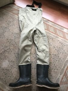 Large XL Simms Goretex Fly Chest Waders