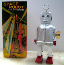 SPARKY ROBOT SPACE TOY MECHANICAL WINDUP TIN TOY SILVER Special Version RARE