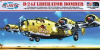 ATLANTIS 218 B-24J Liberator WWII Bomber w Swivel Stand Model Kit FREE SHIP