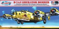 ATLANTIS 218 B-24J Liberator WWII Bomber w Swivel Stand Model Kit FREE SHIP