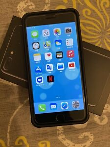 Apple iPhone 7 Plus + 128GB Unlocked Jet Black ***Free Shipping Worldwide